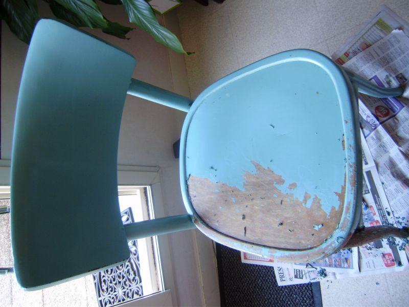 Bricolage repeindre des chaises l atelier de suzanne - Repeindre des chaises ...
